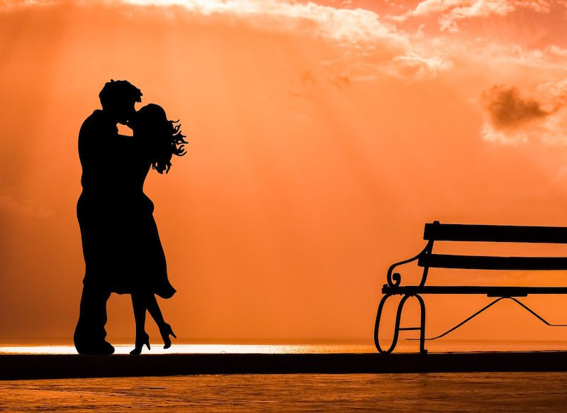 7 Romance Story Ideas to Help Your Daily Writing